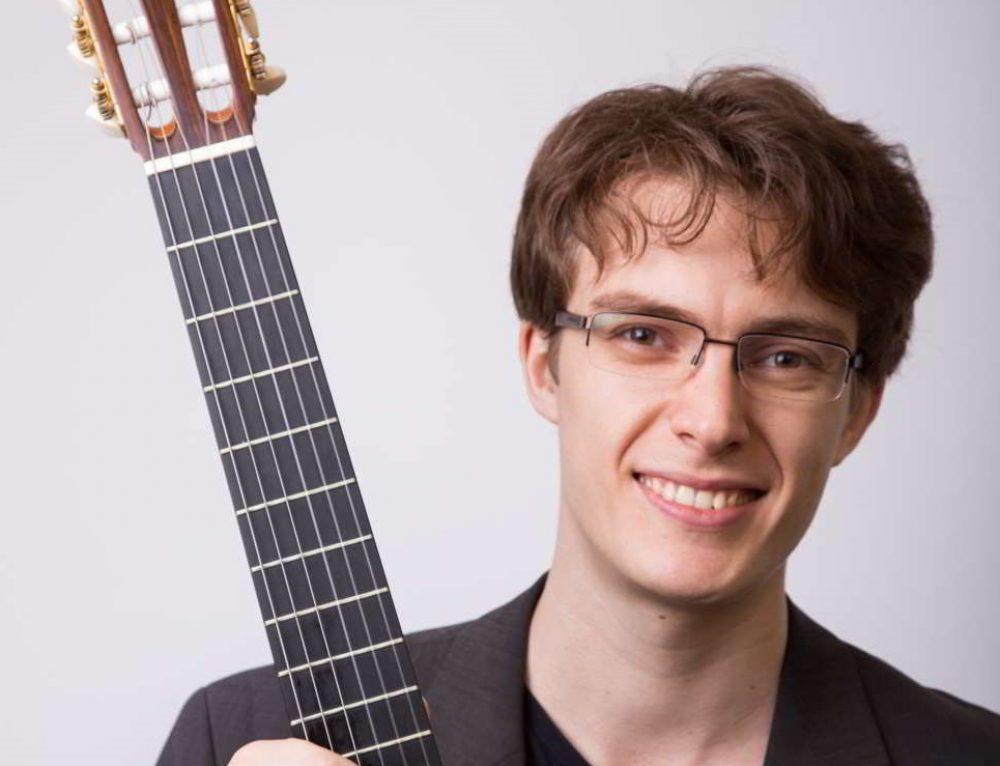 El guitarrista Emmanuel Sowicz es el ganador del Concurso Internacional de ejecución musical Dr. Luis Sigall 2017.